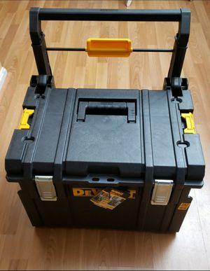 Brand New Roller Tool Box Dewalt FIRM PRICE for Sale in Woodbridge, VA