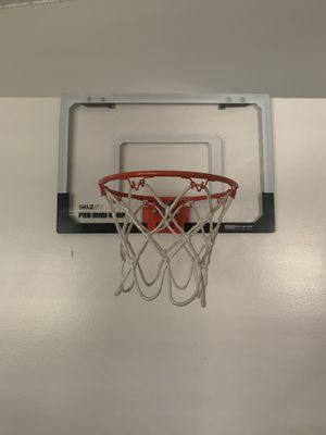 Basketball hoop for Sale in Covina, CA