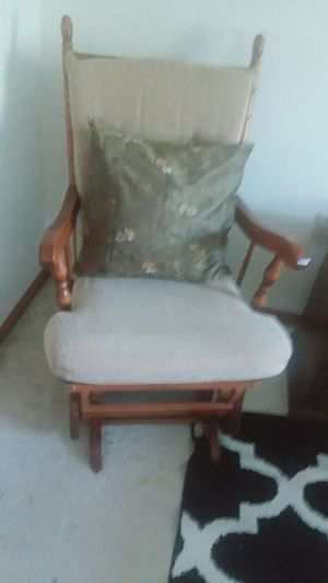 Rocking chair in good condition for Sale in Kearney, NE