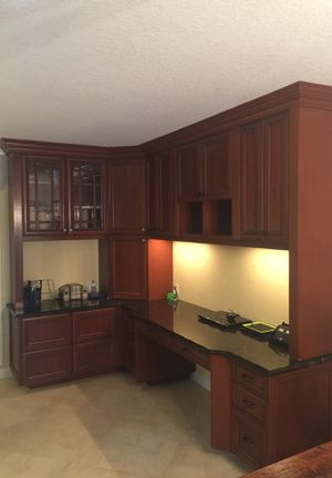 Cabinets and granite for Sale in VLG WELLINGTN, FL