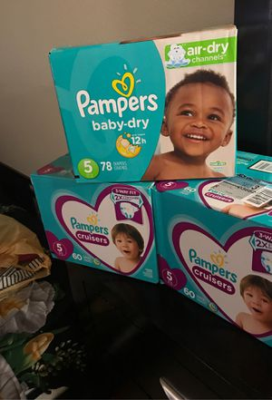 Pampers diapers size 5 (20$ each box) for Sale in Bellevue, WA