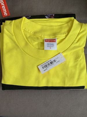 Supreme Tupac Yellow size Large for Sale in Burbank, CA