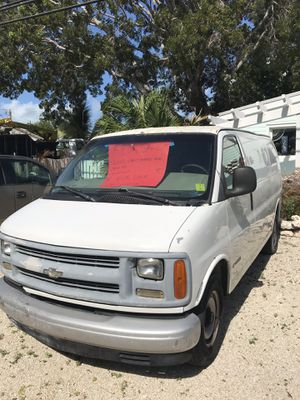 2001 Chevy express 2500 for Sale in Flamingo, FL
