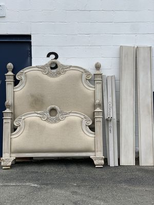 Queen Bed Frame for Sale in MONTGOMRY VLG, MD