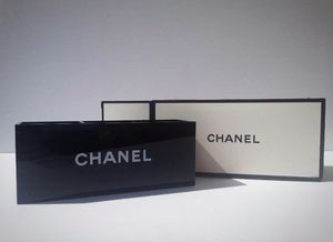 CHANEL • makeup • brush organizer NEW! 3 slots comes with box! for Sale in Louisville, KY