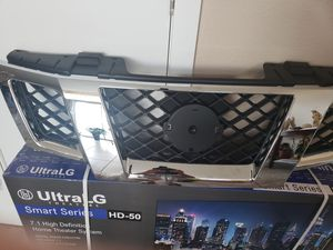 Front grill for Nissan Frontier/pathfinder for Sale in North Las Vegas, NV