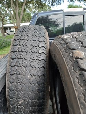 Load star trailer tires size 205/75/15 for Sale in Kenneth City, FL