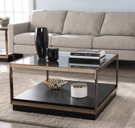 Coffee Table And Side Table for Sale in Long Beach,  CA