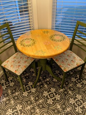 Table and Chairs for Sale in Raleigh, NC