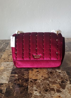 NEW! VICTORIA SECRET SHOULDER BAG $35 FIRM for Sale in Phoenix, AZ