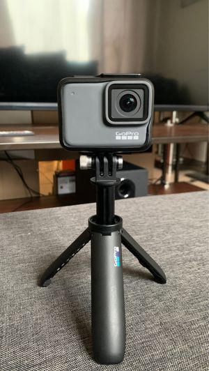 GOPRO HERO7 SILVER 4K ( With Handheld Stabilizer) for Sale in Columbus, OH