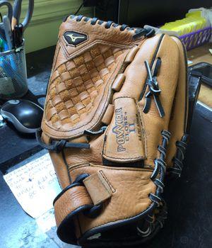 """Mizuno baseball glove 12"""" for Sale in Matawan, NJ"""