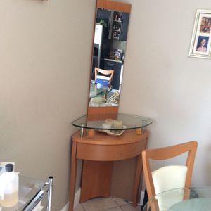 Corner decorative mirror for Sale in Pembroke Pines, FL