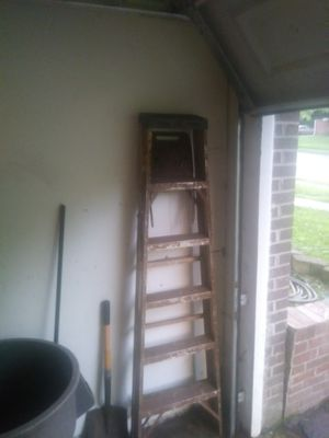 W4 foot ladder abd a 6 ft ladder for Sale in Dale City, VA
