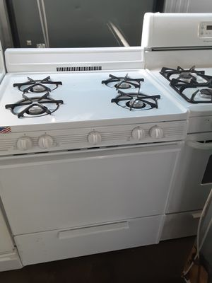 $250 Premier white gas stove includes delivery in the San Fernando Valley a warranty and installation for Sale in Los Angeles, CA