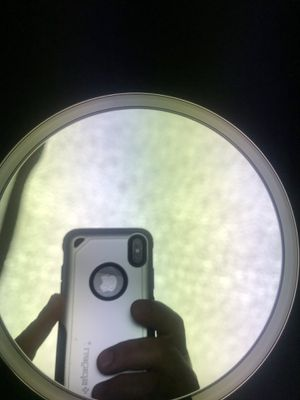 "simplehuman Sensor Lighted Makeup Vanity Mirror 8"" Round Wall Mount, ST3002 for Sale in Fort Lauderdale, FL"