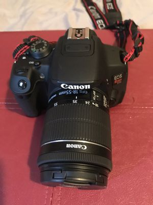 Canon T5i camera bundle for Sale in Lynwood, CA