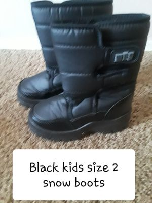 Kids size 2 black snow boots for Sale in Surprise, AZ