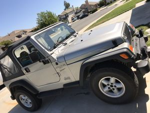 2000 Jeep wrangler clean 4x4 automatic for Sale in Murrieta, CA