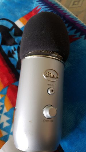 BLUE. Microphone 50.00. Sells in stores for 149.99 for Sale in Banning, CA