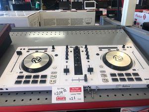 DJ Numark mixtrack pro 3 limited edition white for Sale in Phoenix, AZ