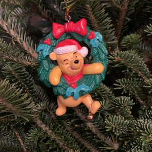 DISNEY Figurine CHRISTMAS WINNIE THE POOH Statue for Sale in Brooklyn, NY
