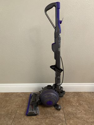 DYSON ANIMAL 2 VACUUM for Sale in Las Vegas, NV