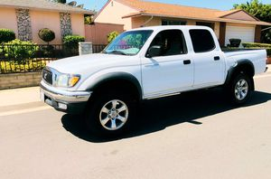 Led headlights 2003 Toyota Tacoma Keyless remote for Sale in Fort Worth, TX