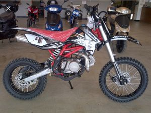 2017 BRAND NEW DIRT BIKE for Sale in New York, NY