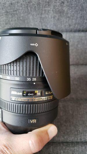 Nikon 28-300mm FX lense for Sale in Allen, TX