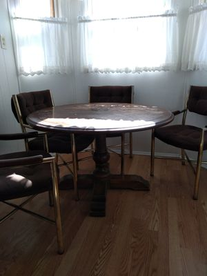 Kitchenette/Game Table and chairs for Sale in Detroit, MI