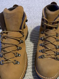 Danner Mountain Light Wheat Size 11.5 US, 11 UK, 46 Euro for Sale in West Linn,  OR
