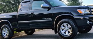 Low Miles 2005 Toyota Tundra 4WDWheels for Sale in Chicago, IL