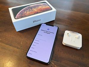 iPhone xs for Sale in Clifford, VA