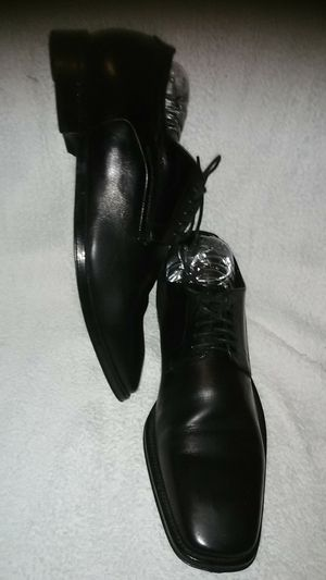 Hugo Boss men's dress shoes lace up leather black for Sale in Takoma Park, MD