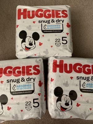 Huggies - Snug & Dry -size 5 for Sale in Carlsbad, CA