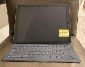 """Apple iPad Pro 12.9"""" 1st Gen w/apple pen, apple Smart Keyboard, cover for Sale in Minneapolis, MN"""