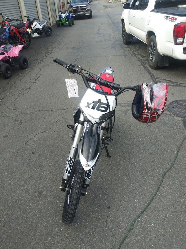 Brand New Apollo 125 semi automatic dirt bike