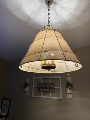 5 Lights chandelier for Sale in Rialto, CA