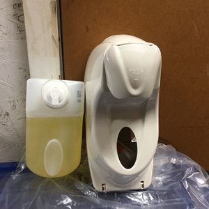 2 Industrial commercial hand soap dispensers With four refillable soap's for Sale in Ontario, CA