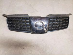 2004 2005 2006 NISSAN MAXIMA OEM FRONT GRILLE WITH EMBLEM 04 05 06 for Sale in Colesville, MD