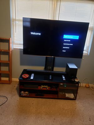 Sony 55 inch 4k tv stand and soundbar for Sale in Melrose Park, IL