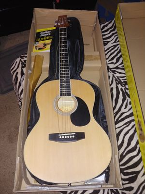 Acoustic guitar starter pack for dummies for Sale in Phoenix, AZ