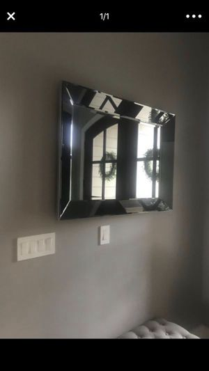 Mirror around 30x40 glass mirrored for Sale in Inman, SC