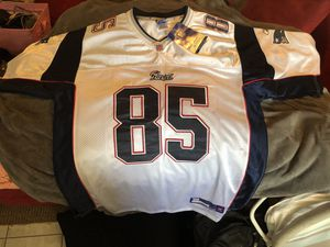 New Reebok- On Field, Patriots Chad Ochocinco Jersey for Sale in Canyon Lake, CA