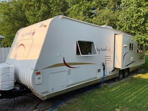 2006 Jayco Jayfeather 29n ( I currently live in it full time ) for Sale in Clarksville, TN