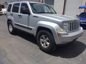 Jeep liberty 2011 4x4 *title clean* for Sale in Doral, FL