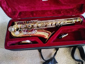 Monique Tenor Saxophone for Sale in TEMPLE TERR, FL