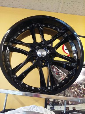 "Used 22"" Akuza AK69 black 6x5.5 wheels rims for Sale in NEW PRT RCHY, FL"