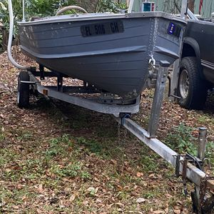 Just The Hull And Trailer for Sale in Apopka, FL